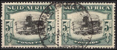 South Africa 1947-54 5s hyphenated rotogravure pair fine used.