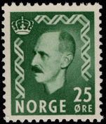 Norway 1950-57 25ø green unmounted mint.